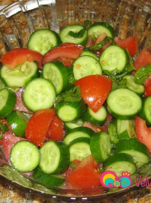 Cucumber-Tomato-&-Fresh-Mint-Salad