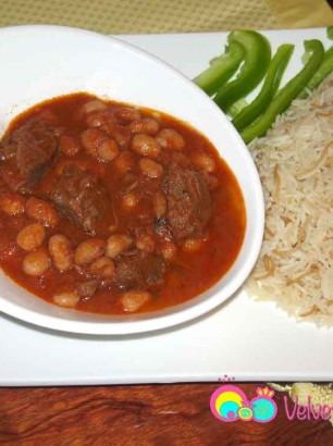 Cranberry beans with meat stew served with jasmine vermicelli rice.